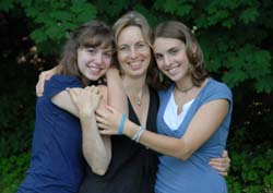 SuEllen Hamkins with daughters